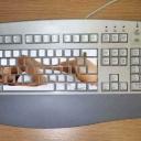 клавиатура с девушкой